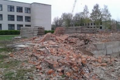 Розпочато процес ліквідації небезпечної недобудови по вулиці Прилуцькій
