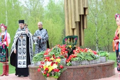 Ніжин віддав шану загиблим ліквідаторам Чорнобильської катастрофи