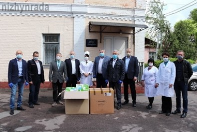 Міська лікарня отримала захисні костюми