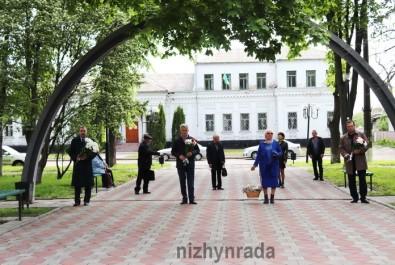 Міський голова Анатолій Лінник та ніжинці вшанували пам'ять загиблих у роки Другої світової війни