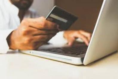 Пенсіонери можуть сплатити «комуналку» телефоном без комісії