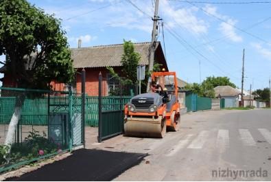 По вулиці Франка проводять поточний ремонт тротуару