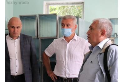 Анатолій Лінник перевірив стан виконання робіт в приймально-діагностичному відділенні