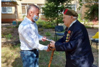 Анатолій Лінник привітав ветеранів Другої світової війни до Дня звільнення міста від фашистських загарбників