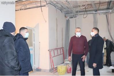 Міський голова Олександр Кодола перевірив хід виконання робіт проекту «EMERGENCY 2020» у міській лікарні