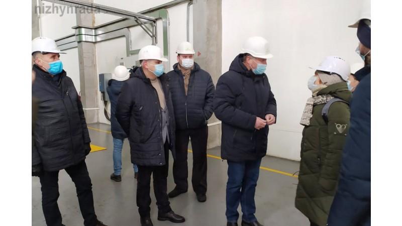 """Ніжинська делегація ознайомилася з роботою ТОВ""""Кліар Енерджі"""" у м. Корюківка"""
