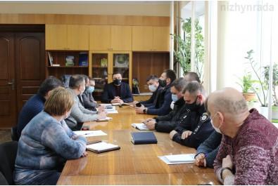Відбувся круглий стіл при міському голові з питання надання дозволу на проїзд великовантажного транспорту по дорогам Ніжина