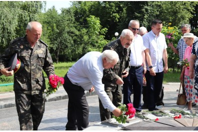 Ніжинці відзначили день скорботи і пам'яті жертв війни в Україні