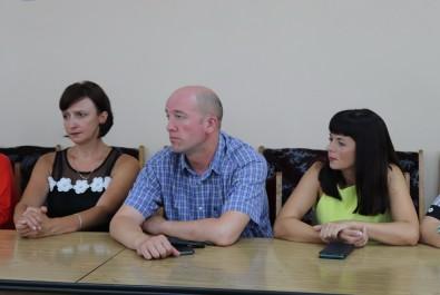 Ніжинські освітяни отримали сертифікат на суму 1 500 000 грн
