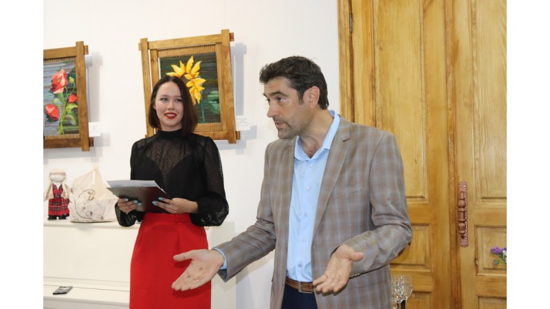 Презентували художню колективну виставку «Об'єднані часом», присвячену 30-річчю Незалежності України