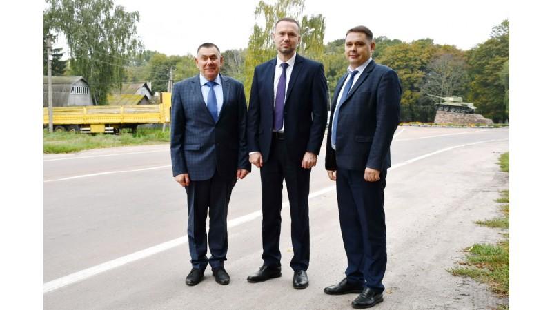 Міністр освіти і науки України Сергій Шкарлет відвідав заклади освіти Ніжина