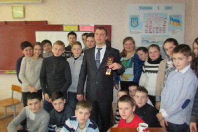 Зустріч учнів гімназії №16 з воїном АТО